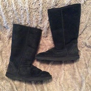 Black calf height Ugg Boots. Size 8. Used.